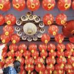 Ratusan Lampion Diperiksa Satu per Satu