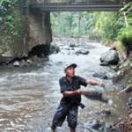 Pasca Banjir Harga Pasir Melambung