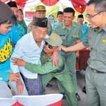 Bupati Anas Bangga Lihat Warga Gunakan Hak Pilih