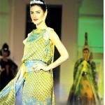 Paduan Model Brazil & Batik Gajah Uling