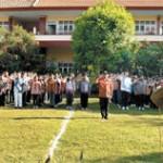 Full Batik Peringati Hari Guru