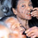 Nginang Bikin Gigi Kuat dan Cegah Bau Mul