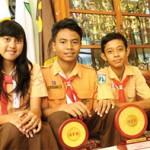 Trio SMPN I Giri Sabet Juara Tenis Nasional