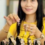 Emas Murni Naik, Perhiasan Relatif Stabil