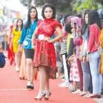 Festival Banyuwangi Trotoar Menjelma Menjadi Catwalk