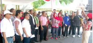 Relawan Jokowi Potong Tumpeng
