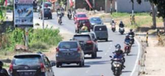 Jalan Raya Kabat Dilebarkan 2,75 M