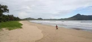 Keindahan Pantai Mustika Banyuwangi