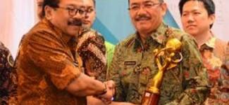 Pemkap Banyuwangi Raih Investment Award